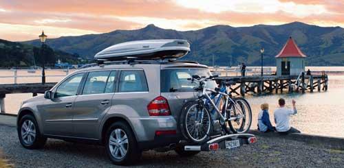 Велосипеды наверху в долгом путешествии